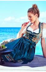 Female German Oktoberfest Outfits